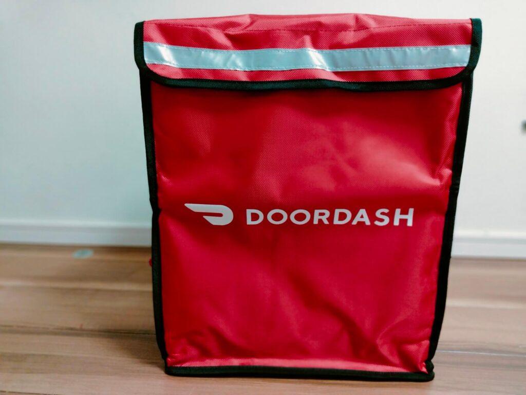 DoorDash(ドアダッシュ)の配達バック・リュックの外観